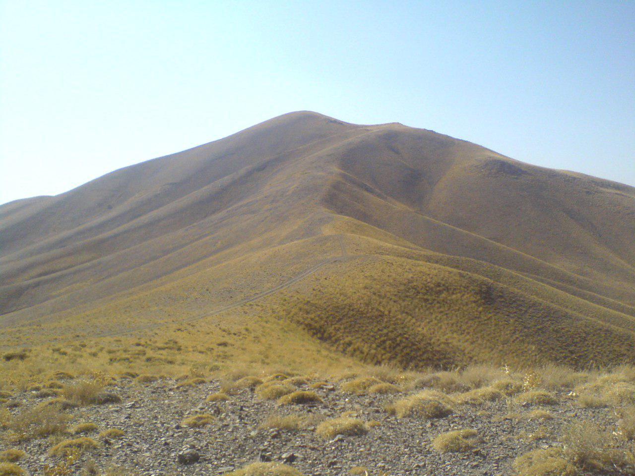 جاده خاکی دامنه شرقی سیاه تیر