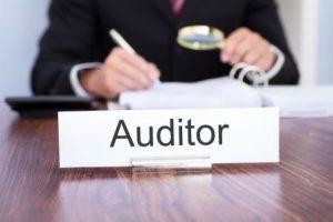 حسابرسی چیست وحسابرس به چه کسی گفته می شود؟