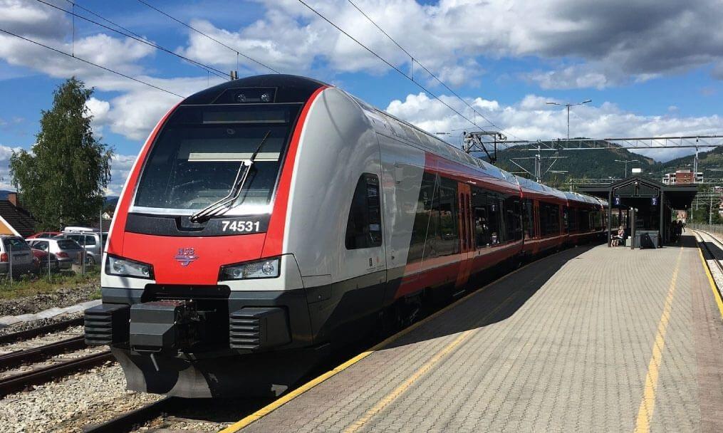 بررسی قیمت بلیط قطار شیراز – مشهد :