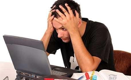 معمولا چه عواملی می تواند موجب شود که مانیتور لپ تاپ روشن نگردد؟