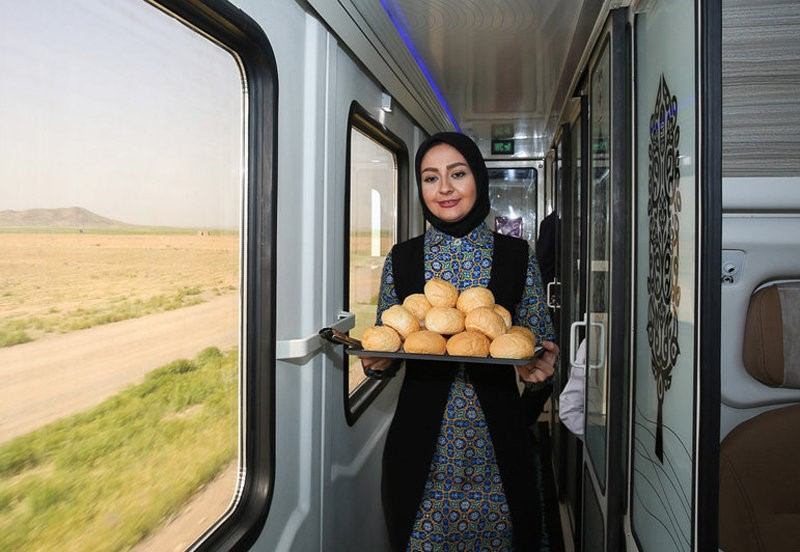 منوی غذای قطار فدک