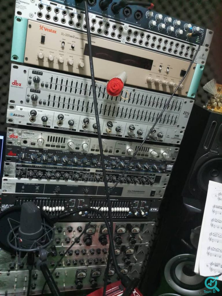 استودیو تیم هشت